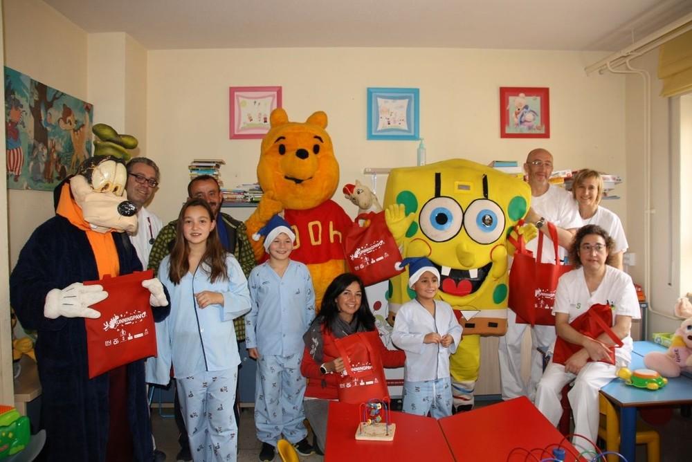 Los niños ingresados en Pediatría, protagonistas en Navidad
