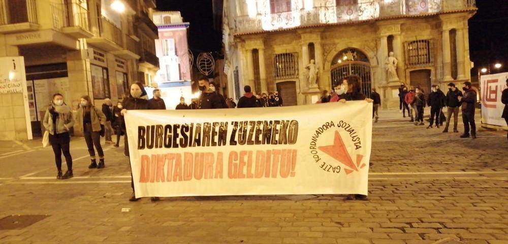 Protesta en Pamplona contra el estado de alarma