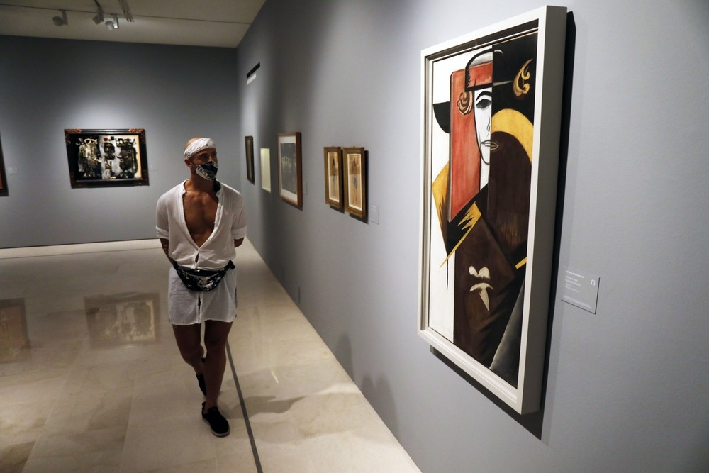 Cuenta con préstamos de varias galerías internacionales.