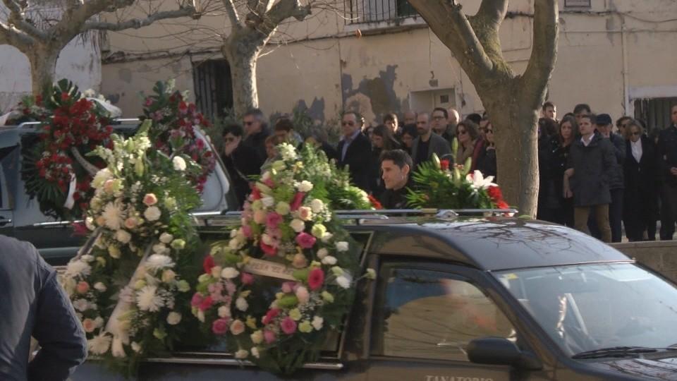 La presidenta Chivite, arropada en el funeral de su padre