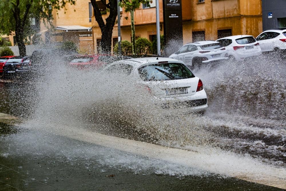 lluvia, tormenta, agua, lluvia en visperas del otoño, ultimas lluvia del verano, paraguas