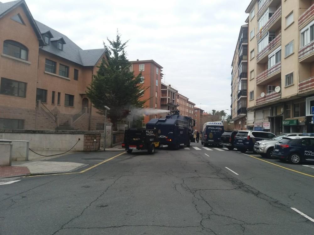 Novedoso equipo de desinfección de Policía Nacional en Ávila
