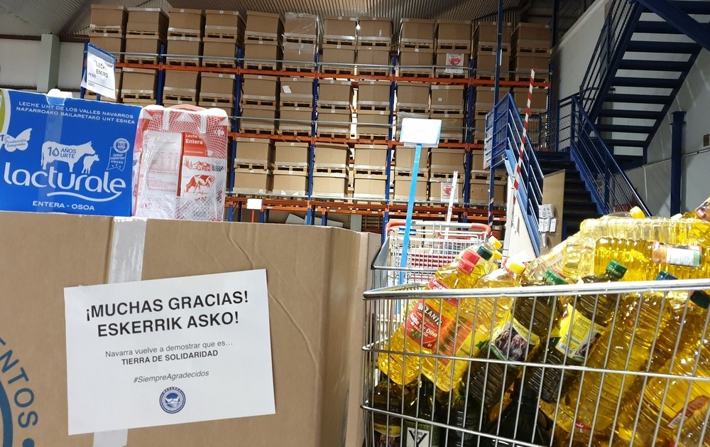 Lotes solidarios de comida para familias necesitadas
