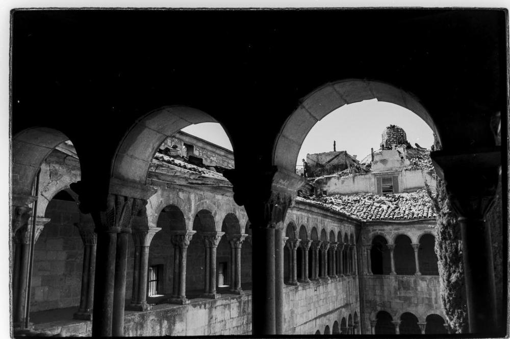 Imágenes del incendio que pudo reducir a cenizas el monasterio de Santo Domingo de Silos.