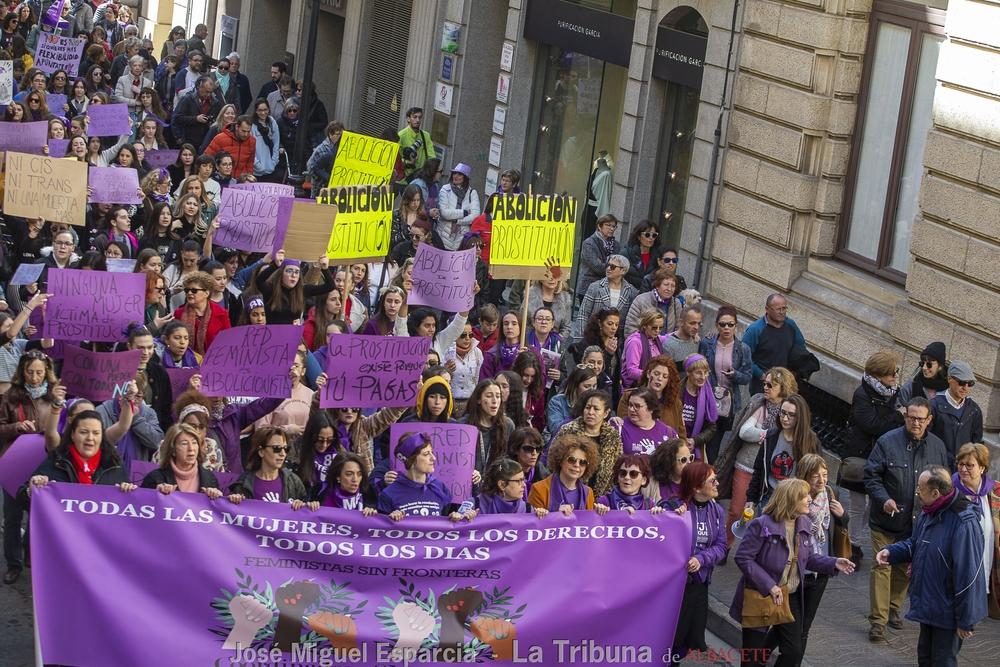 Gran participación en la manifestación por el 8-M de Albacete