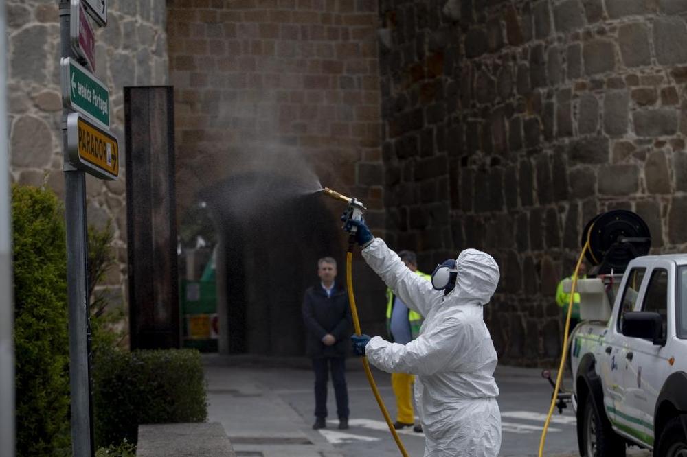 Comienzan los trabajos de desinfección en la capital.