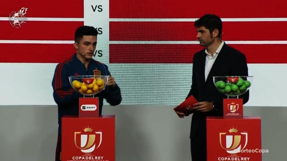 Manu González rechaza el plan de playoff de la Federación