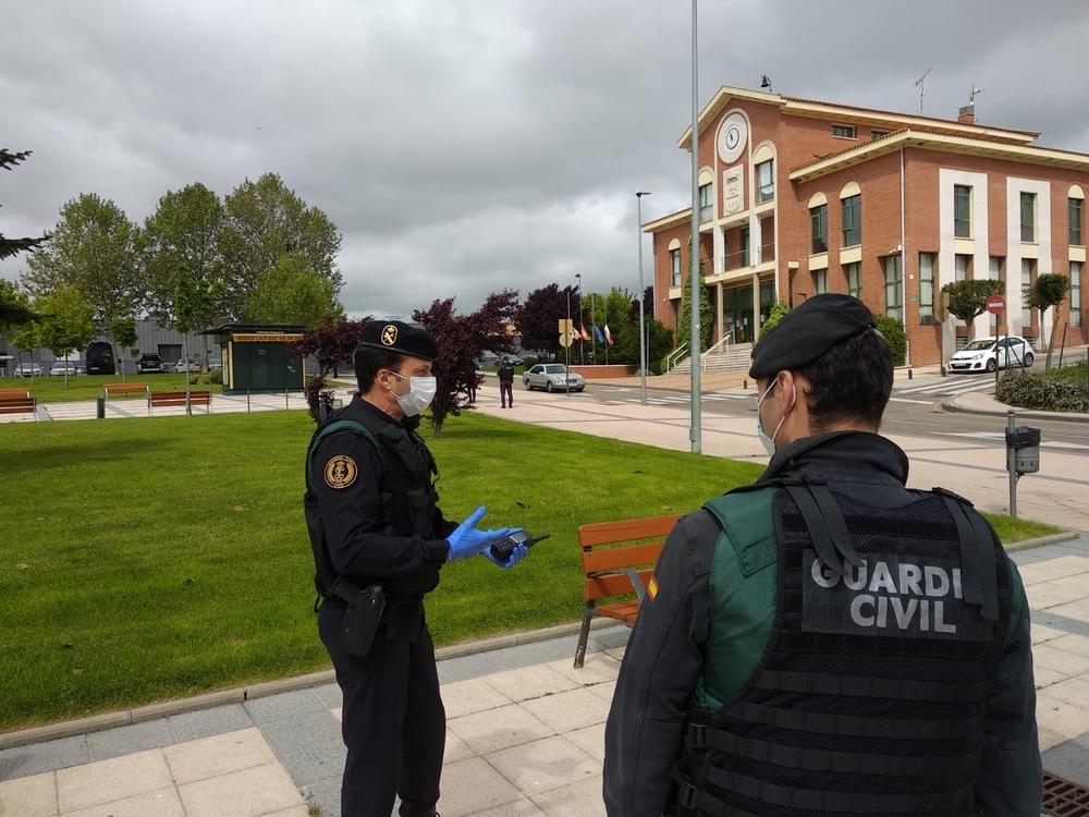 Control de la Guardia Civil en Arroyo durante el estado de alarma.