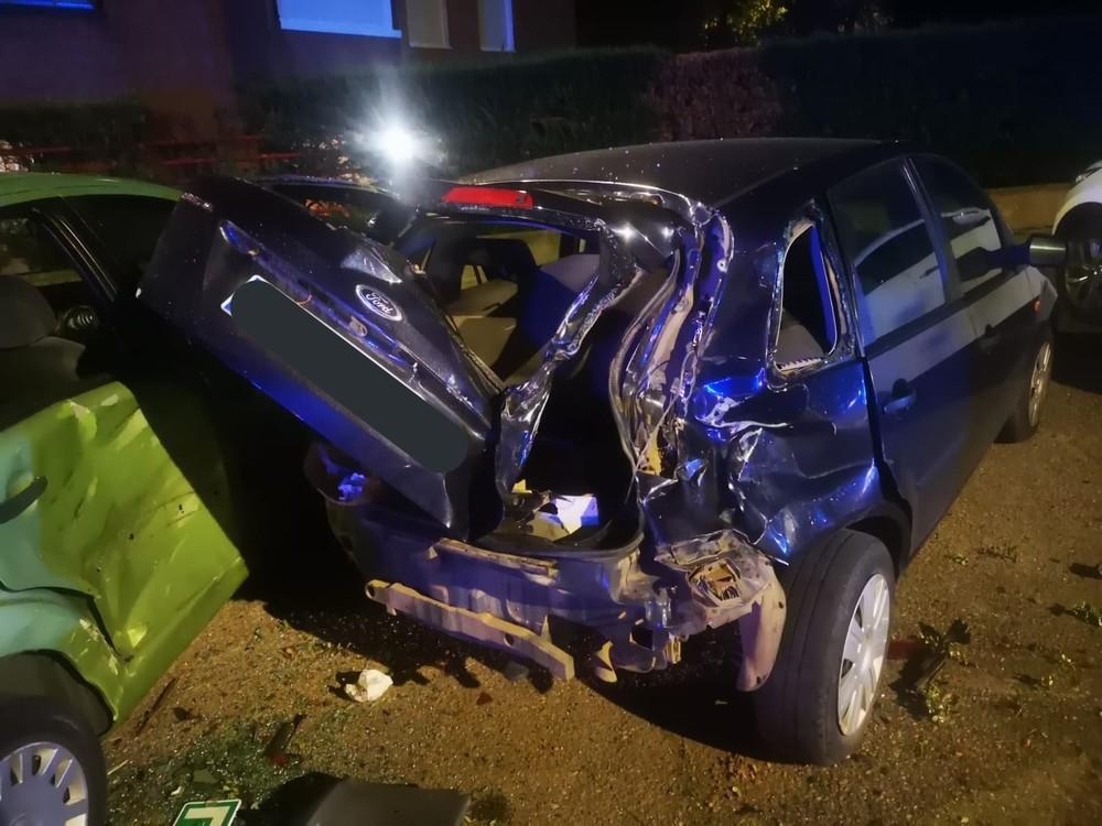 Un conductor ebrio destroza a seis coches en Parquesol