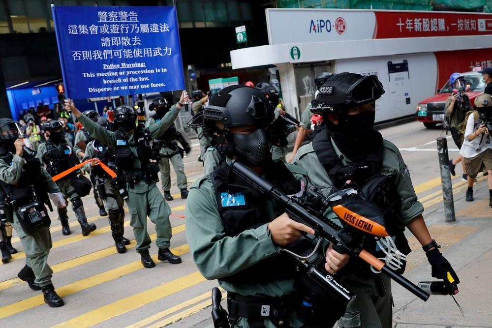 Las nuevas protestas en Hong Kong se saldan con 300 detenidos