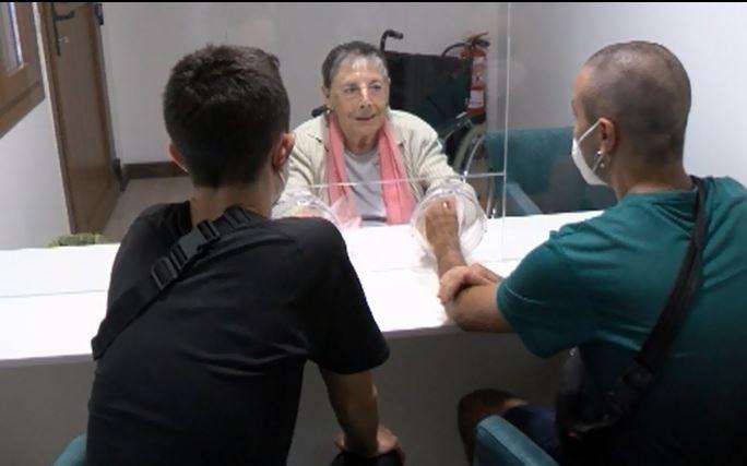 'El saludo más esperado': emotivas visitas en residencias
