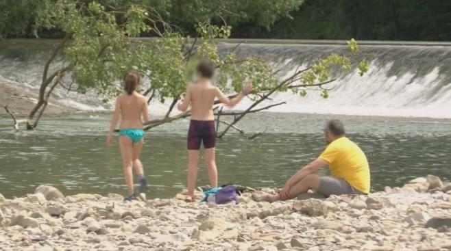 De momento, no está permitido bañarse en ríos ni lagunas