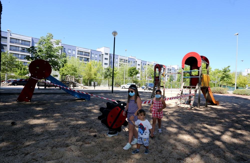 Imágenes de la 'nueva normalidad' en Valladolid, en parques, piscinas y tráfico.