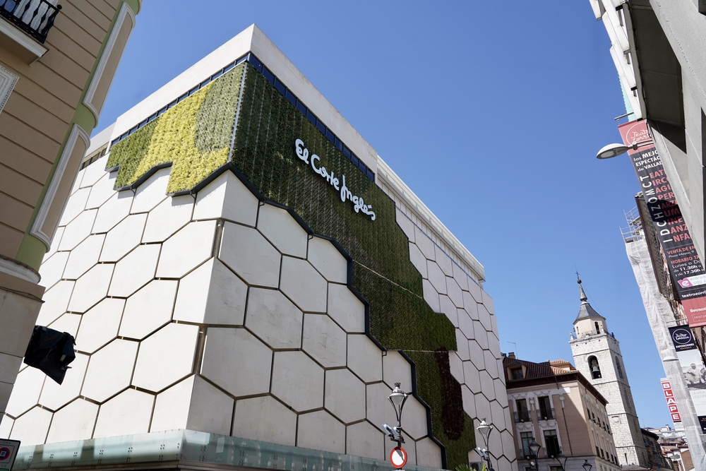 Inauguración de la fachada verde de El Corte Inglés.