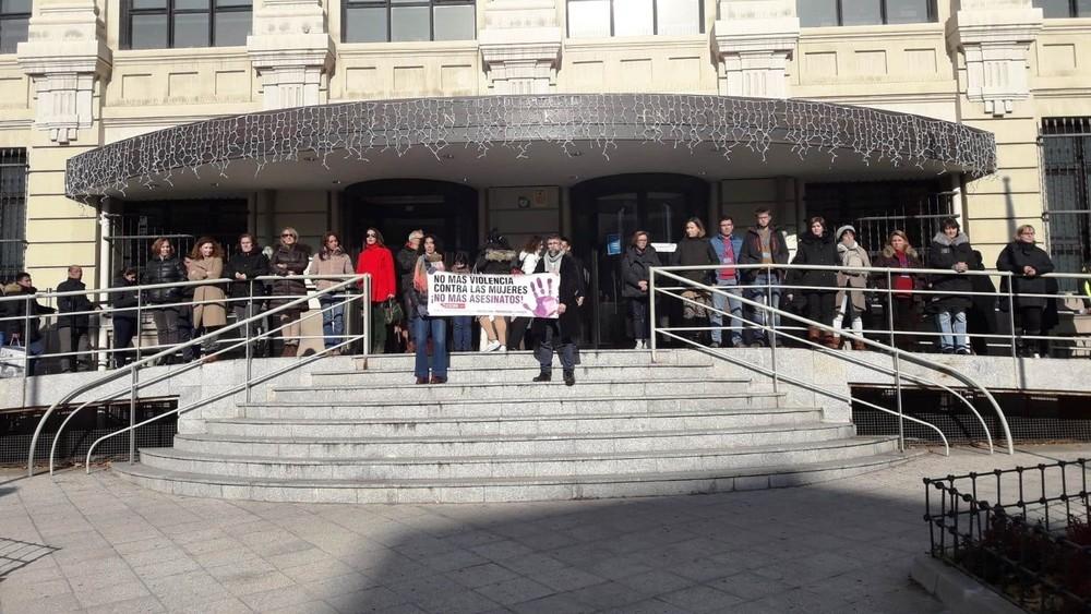 Silencio en España por el asesinato en Puertollano