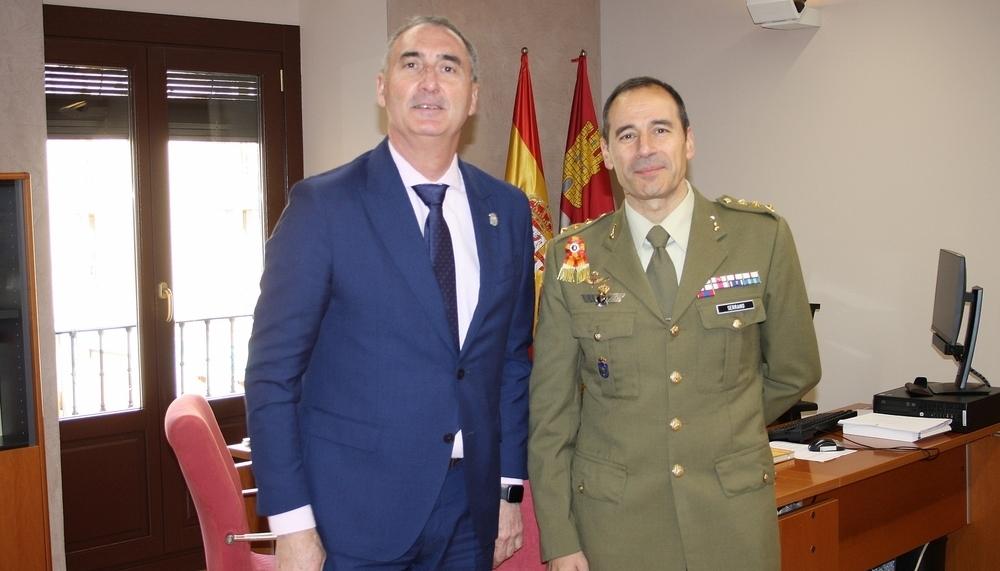 Con el delegado, territorial, José Mazarías