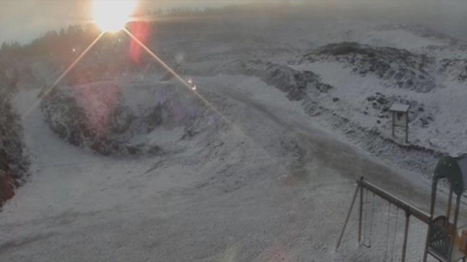 Larra-Belagua vuelve a vestir de blanco tras días sin nevar
