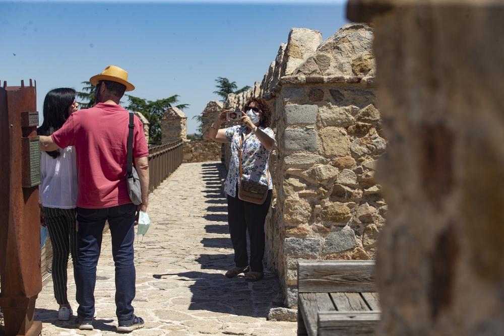 Llegada de los primeros turistas a la capital al terminar el estado de alarma.