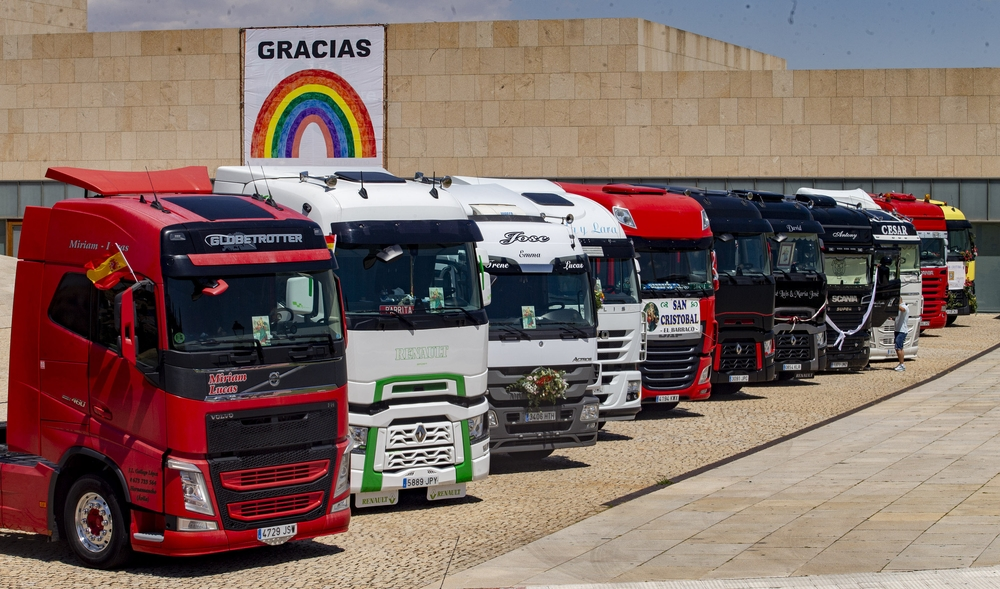 Tras años sin festejar a su patrón, un grupo de camioneros abulenses se unieron este sábado.