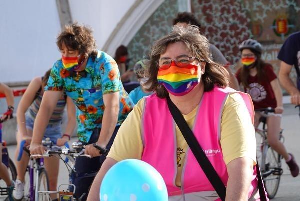Decenas de personas se concentran  por el Día del Orgullo