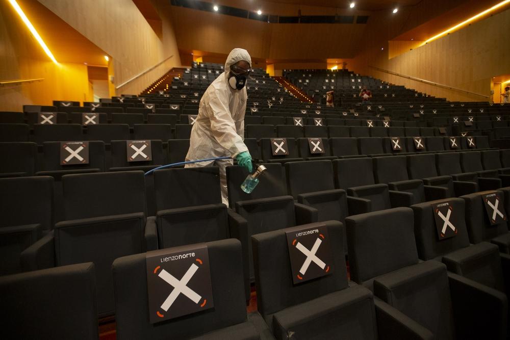 El Palacio de Exposiciones y Congresos, que desde este miércoles acoge un congreso médico con un centenar de participantes, ha implantado un protocolo con medidas para hacer frente a los contagios por covid.