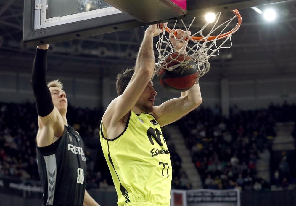 El Andorra acaricia la Copa tras un recital