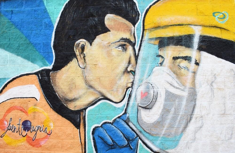 Un mural en agradecimiento a los profesionales sanitarios