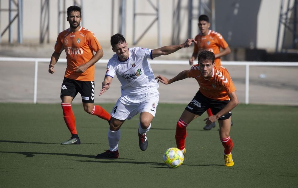 Alberto (a la derecha), en un partido ante el Illescas.