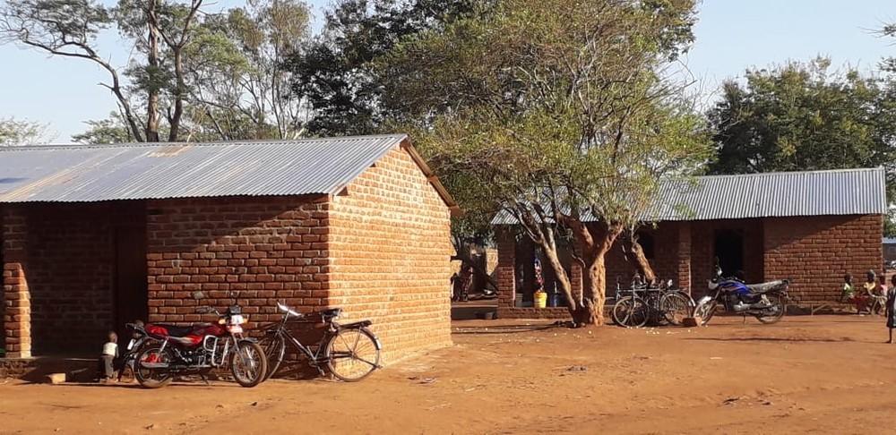 Imagen de las viviendas terminadas en el poblado de Nkondezi.