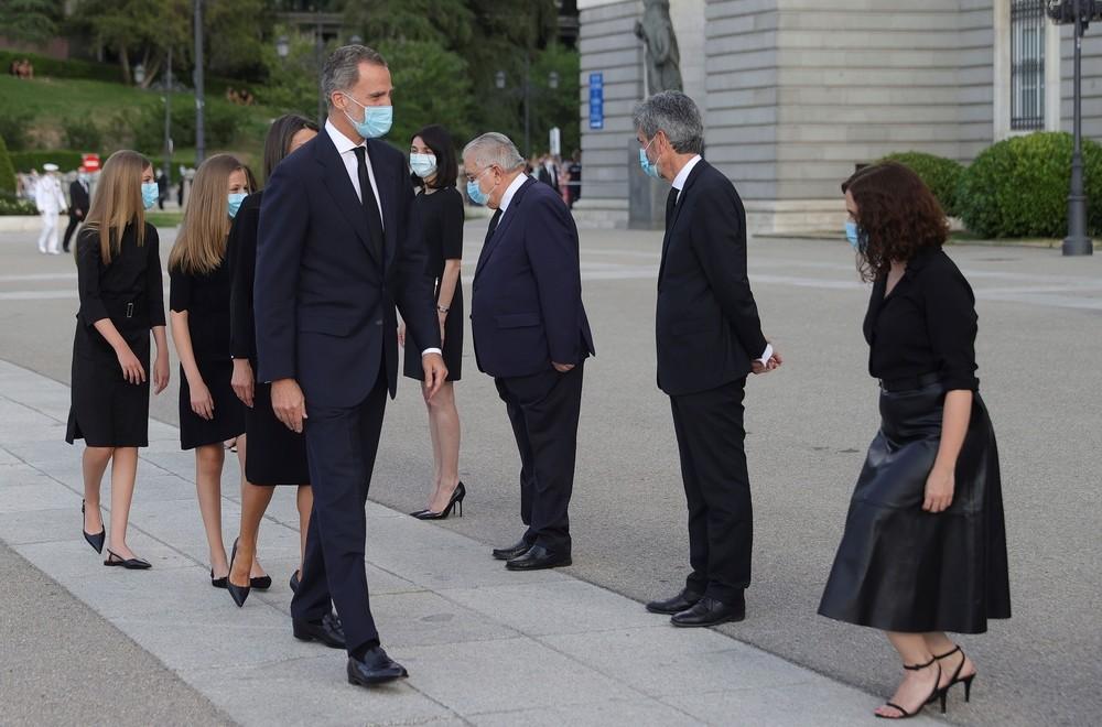 Los Reyes presiden un funeral por las víctimas de la COVID-1