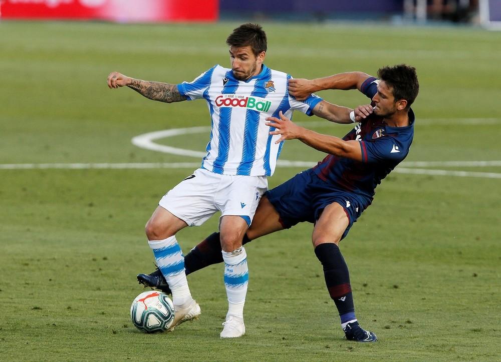 La Real se deshincha y no pasa del empate ante el Levante