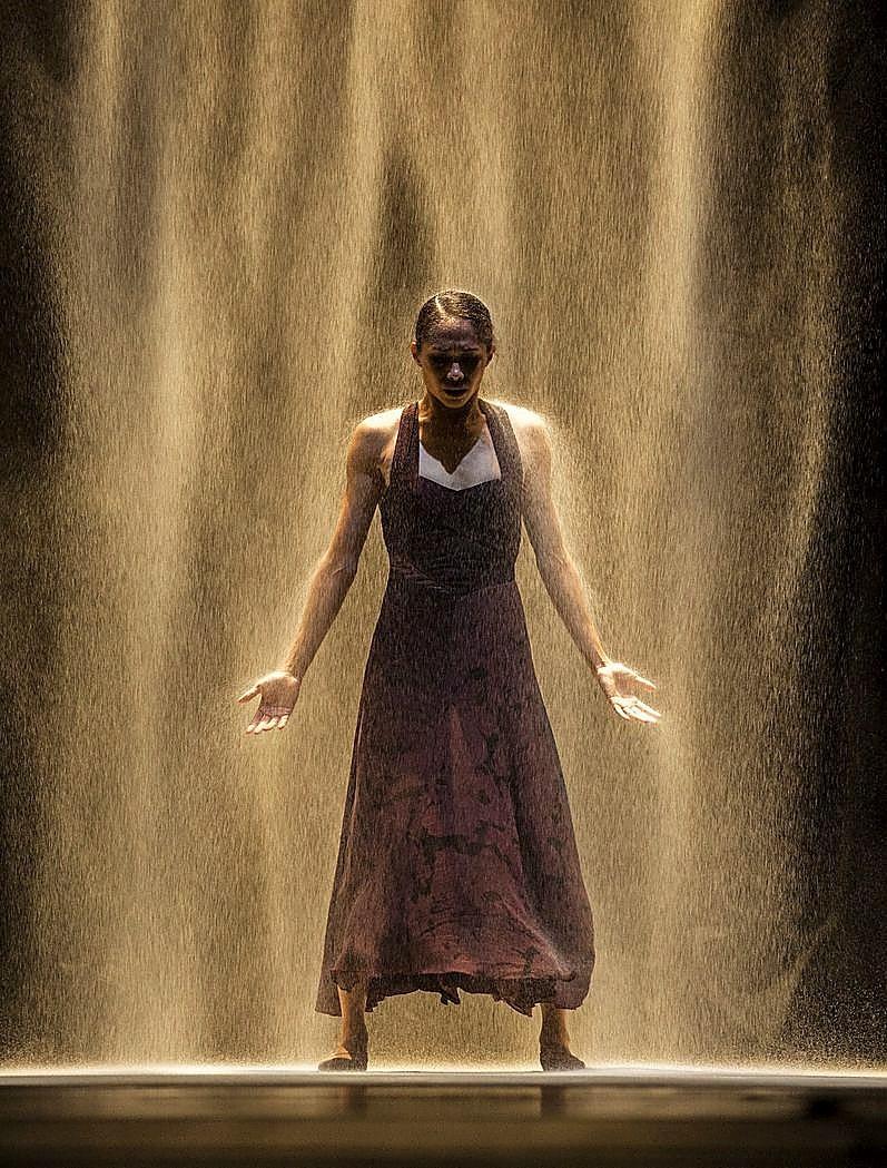 'White Darkness' supone la reconciliación de Nacho Duato con la compañía que dirigió hasta 2010.