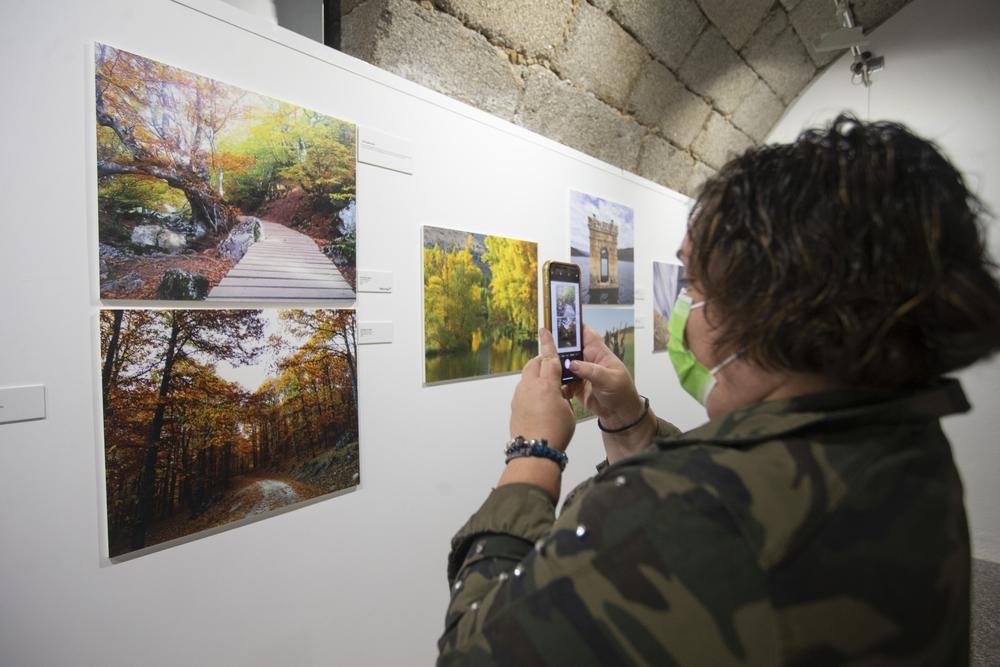 El Palacio Los Serrano de Ávila acoge hasta el próximo 10 de octubre la exposición fotográfica 'El Tiempo. La mirada de la audiencia', que reúne 41 imágenes recibidas en CyLTV durante sus más de diez años de andadura.