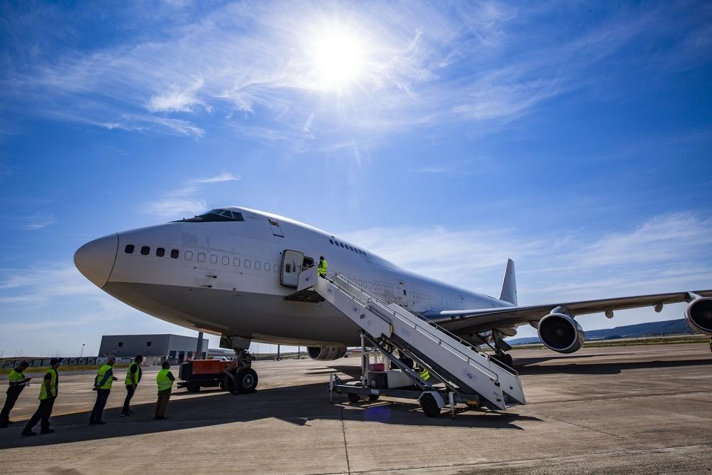 Aterriza el cuarto vuelo del corredor sanitario