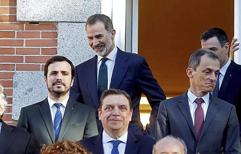 El presidente bromeó con Felipe VI antes de la foto de familia.