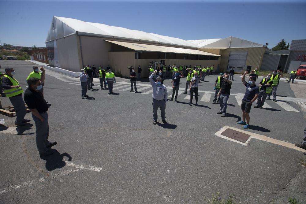 Concentración de los trabajadores de Nissan por el cierre de la planta de Barcelona.
