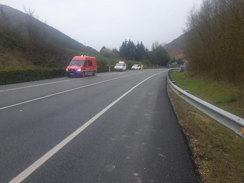 Un camión choca contra un coche en la N-121-A, en Sorauren