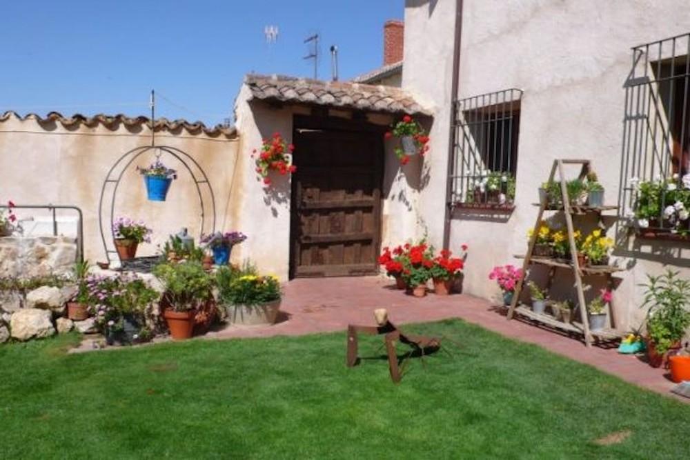 Fincas, casas, albergues y aldeas a la venta