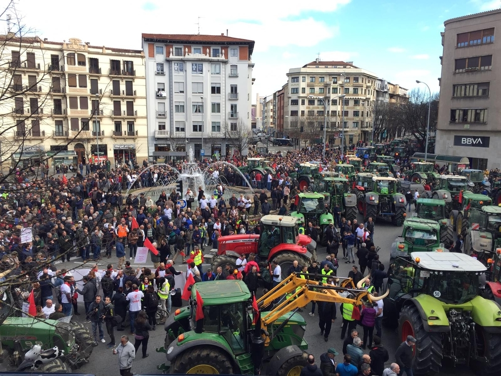 Tractores toman Pamplona:
