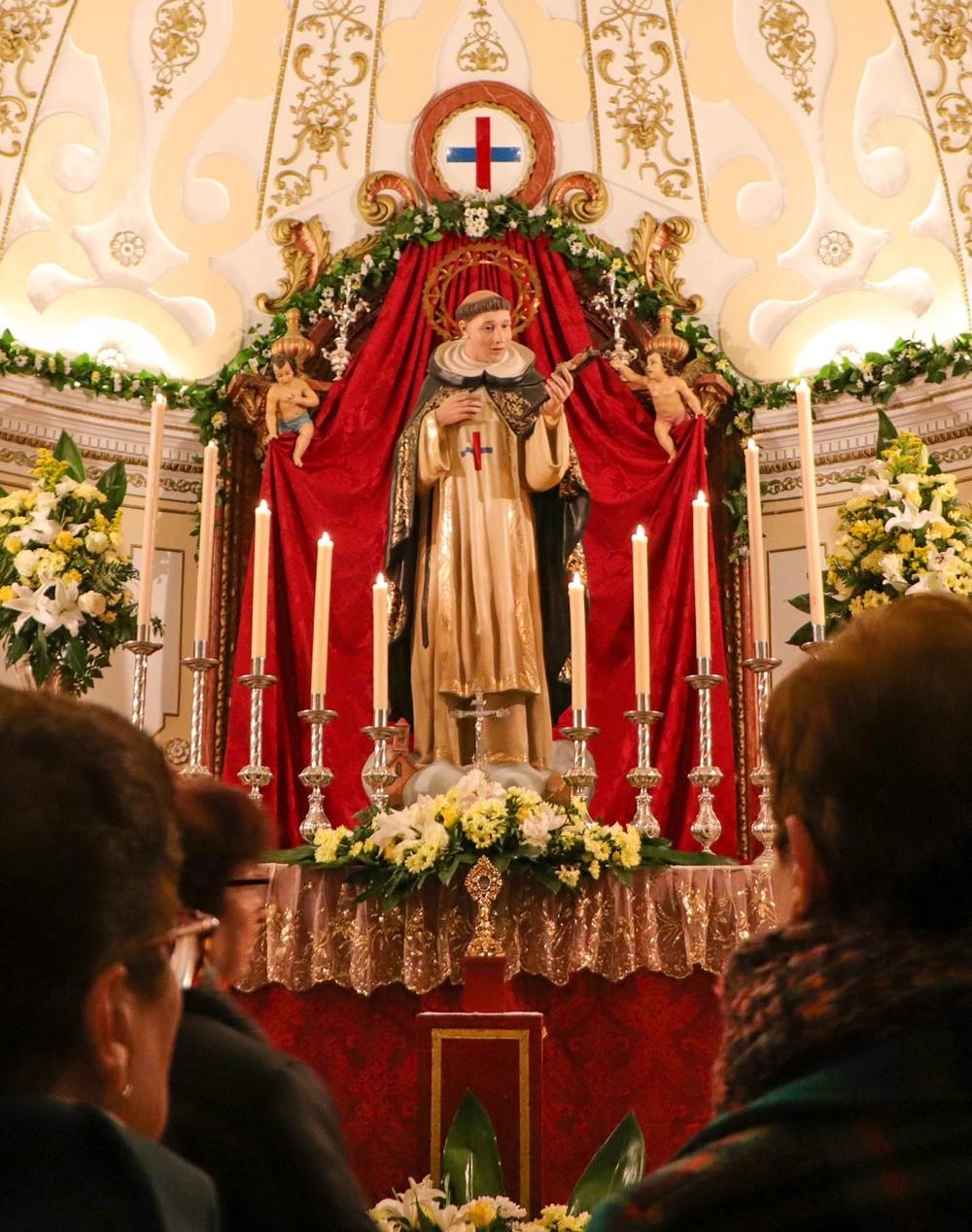 Nueva vidriera por San Juan Bautista en Almódovar