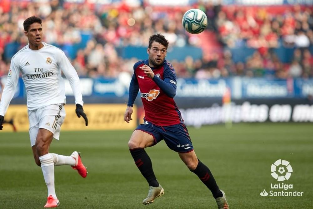 Arnáiz debutó como titular en Osasuna