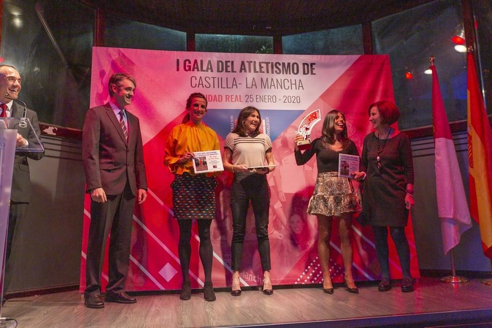 Gemma Arenas fue distinguida como mejor atleta máster.