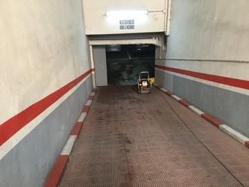 Acceso al garaje.