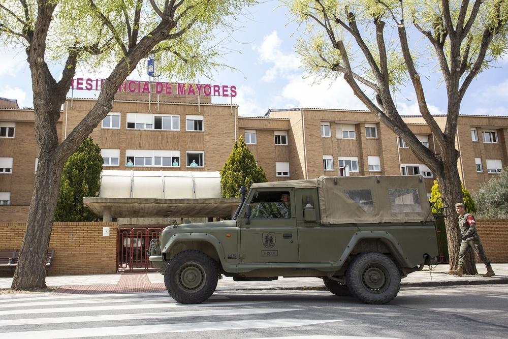 Unos 50 militares desinfectan residencias de la ciudad