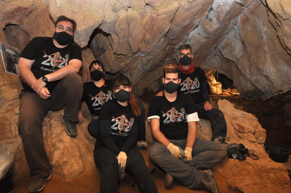 Cenieh halla en Guantes restos de 30 osos de las cavernas