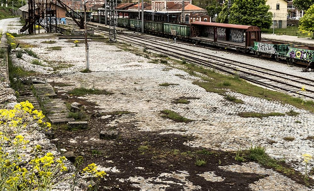 Lento avance de la estación de autobuses. El Ayuntamiento la quiere en parte de los terrenos de la vieja estación de trenes y Mañueco dijo que la Junta está dispuesto a financiarla, pero el Ayuntamiento debe cerrar la cesión con ADIF.