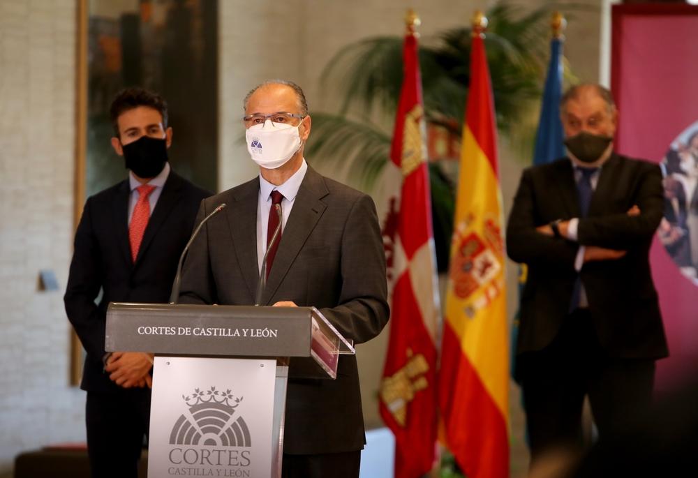 El presidente de las Cortes se reúne con rectores de las universidades de Castilla y León