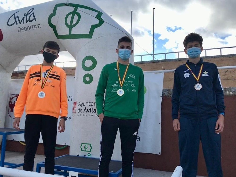 Los atletas locales logran 21 medallas en el regional