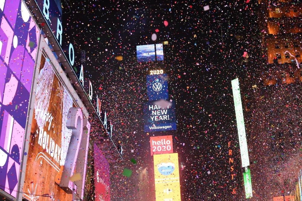 Un millón de personas recibe el 2020 en Times Square