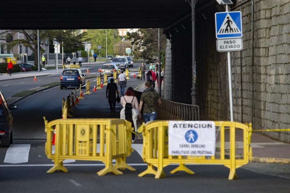El Ayuntamiento de Ávila pone en marcha la flexibilización del tráfico en varias calles de la capital para facilitar el tránsito de peatones.
